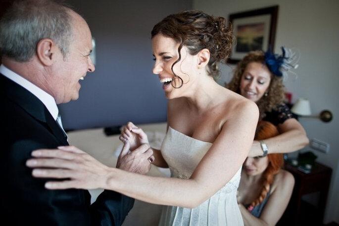Des moments privilégiés entre le père de la mariée et sa fille. Photo: Cesc Giralt