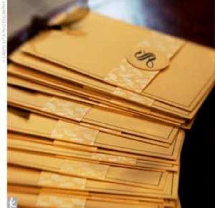 Invitaciones color oro para una boda dorada!