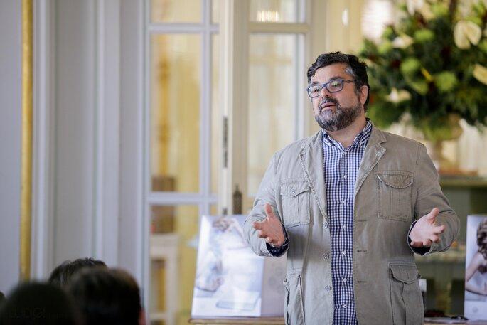 Leo Monteiro de Prenúncio de Festas durante o discurso. Foto: Ludgi Fotógrafos