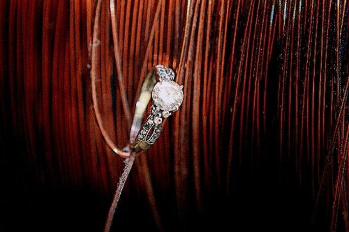 Scegli uno sfondo naturale per la fotografia del dettaglio dell'anello di fidanzamento- Foto Diego Romero
