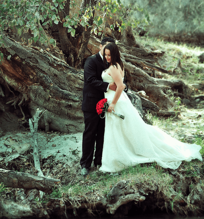 Romántica sesión de fotos Trash the Dress en Los Chorros, Jalisco - Foto Casa Fragma