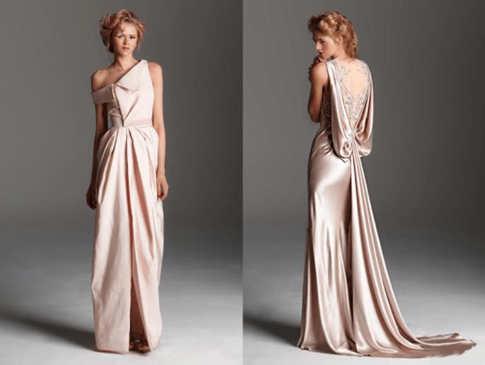 Vestidos de novia largos en colores rosa pálido con escotes arquitectónicos y espalda enmarcada con transparencias y bordados - Foto Rafael Cennamo
