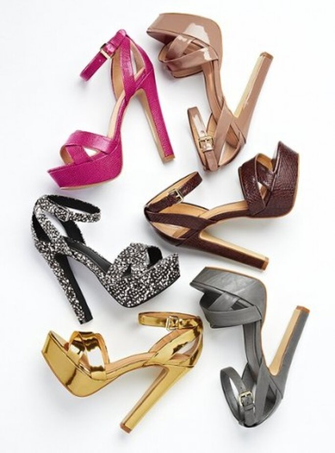 Zapatos para novia. Foto del sitio de Victoria´s Secrets.