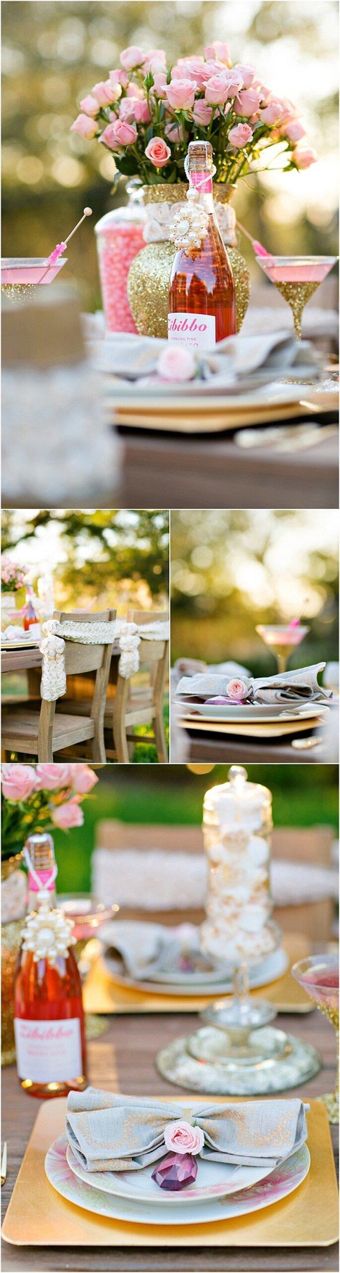 Copas de martini y centros de mesa con detalles dorados - Foto: Set Free Photography