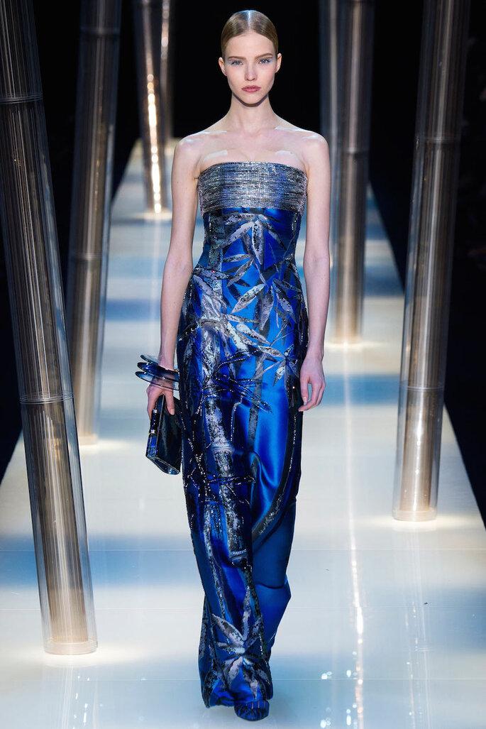 Vestidos de fiesta en color azul klein y marino - Armani privé Oficial alta costura 2015