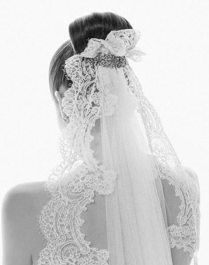Peinado de novia con mantilla