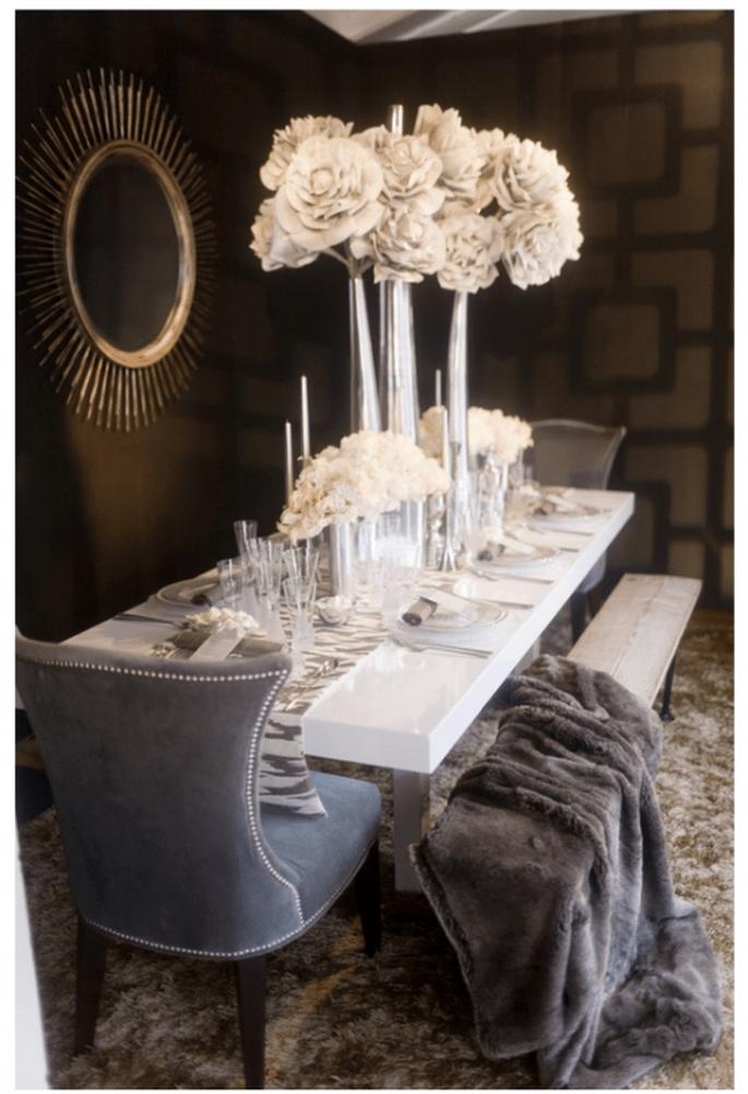 Centres de tables avec des fleurs blanches pour les mariages - Jessica Claire