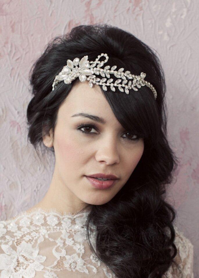 Diadema con flores de diamantes para novias - Foto Sarah Seven