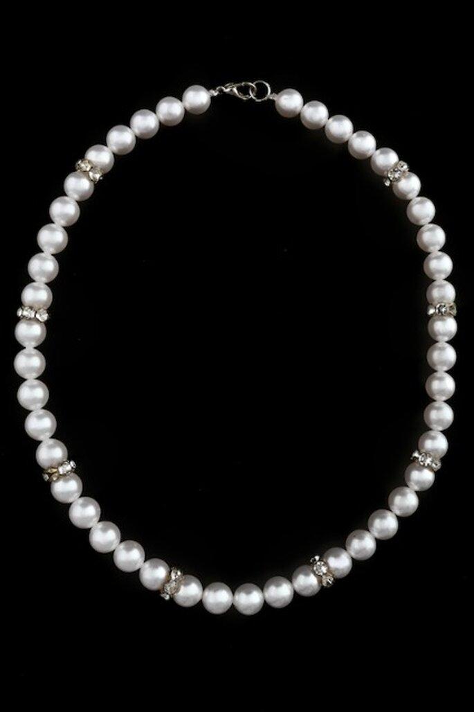 Collier Coton et Strass : ultra chic avec ses perles nacrées Swarovski et ses strass - Photo : Poésie des Perles