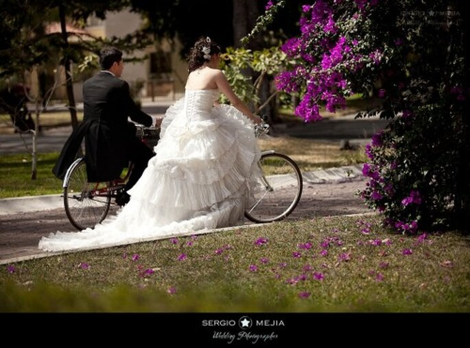 Trash the  Dress en biciceta. Foto de Sergio Mejia