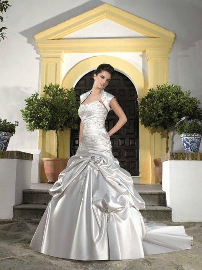 MK 12160 - Miss Kelly 2012