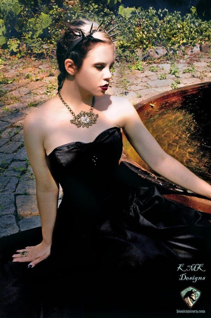 "Vestido de novia ""Princesa gótica"". Foto: www.etsy.com"