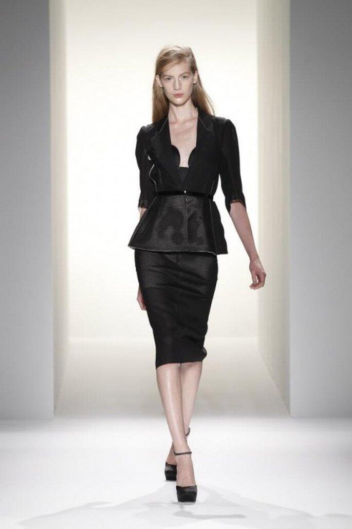 Un esempio di outfit utilizzato dalla sposa con stile minimalista - Foto Calvin Klein