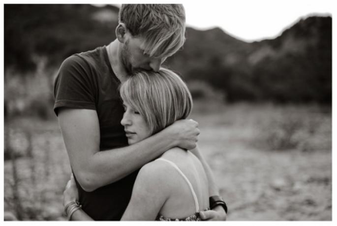Rien de plus beau qu'un couple qui s'enlace - Photo Kate Noelle Photography