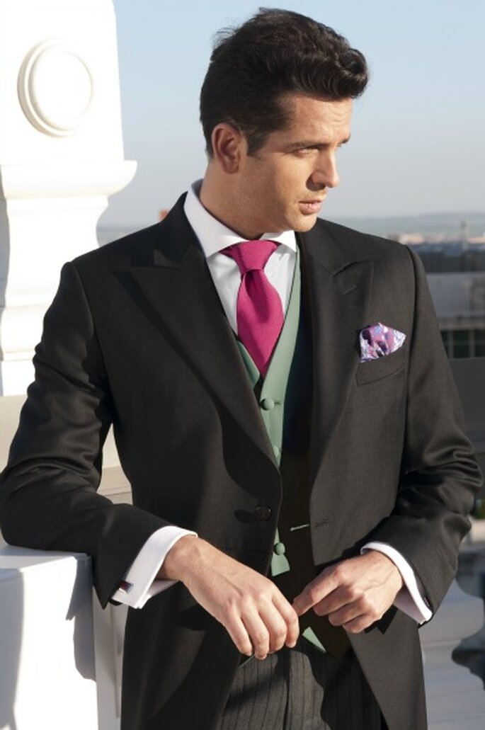 Der Bräutigam darf Farbe bekennen – Foto: chaques
