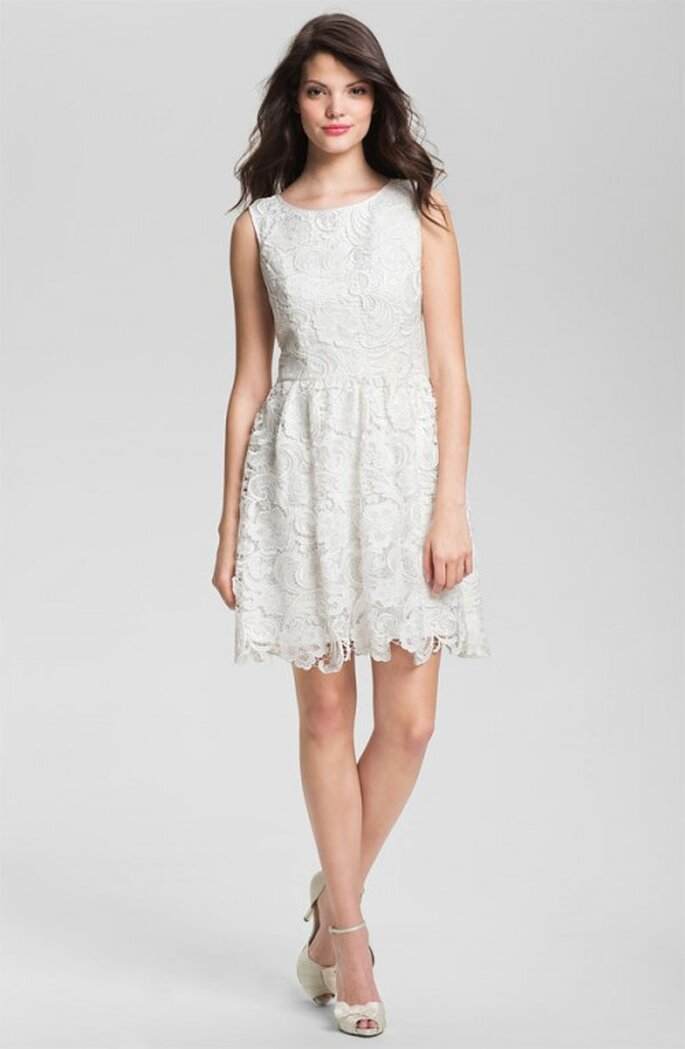 Vestido de novia corto con encaje para primavera 2013 - Foto Nordstrom