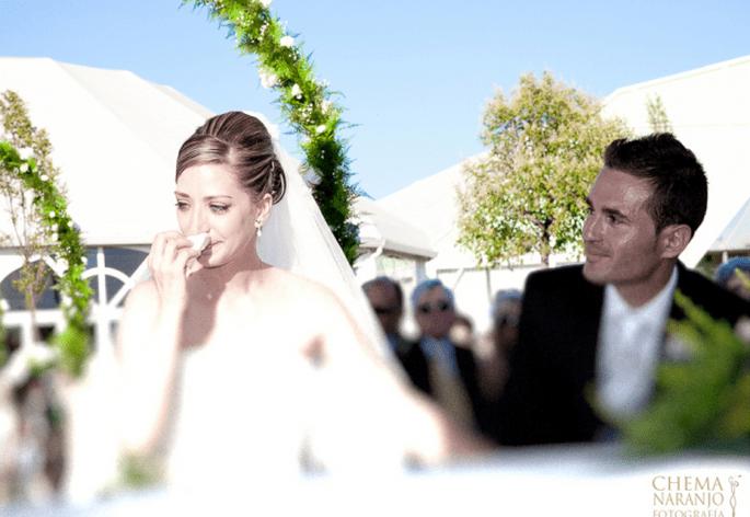 Verschiedene Frisuren eignen sich zum Tragen eines Brautschleier: offen, hochgesteckt, Dutt,... Foto: Chema Naranjo.