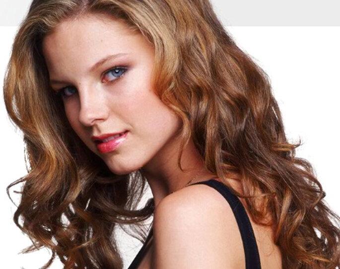 Peinados de novia: pelo suelto con rizos - Roberto Giordano