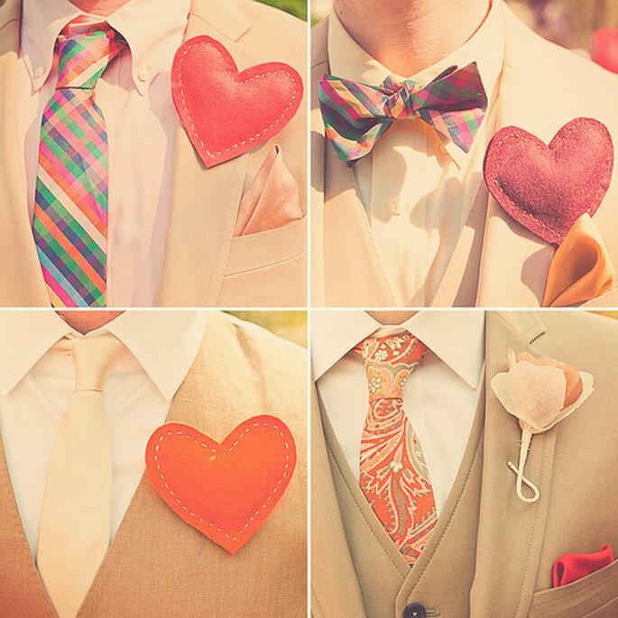 Boutonnieres coloridos con forma de corazón. Foto de Sweet Little Photographs