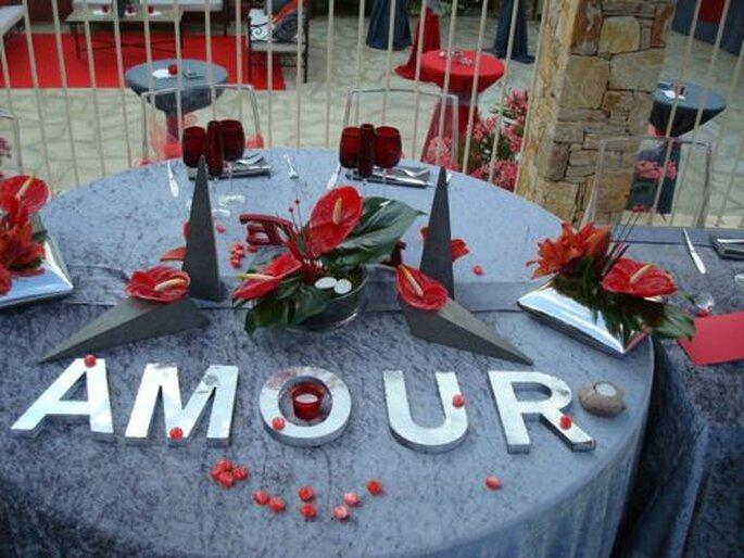La décoration du lieu de réception du mariage doit se fondre dans le décor. - Photo : One Day Event