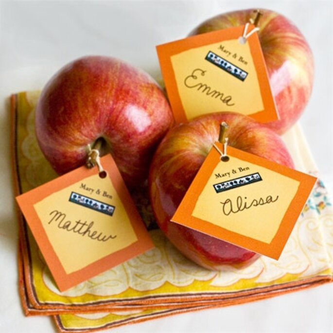 Tarjetas para asignar lugares con manzanas de MyOwnLabels.