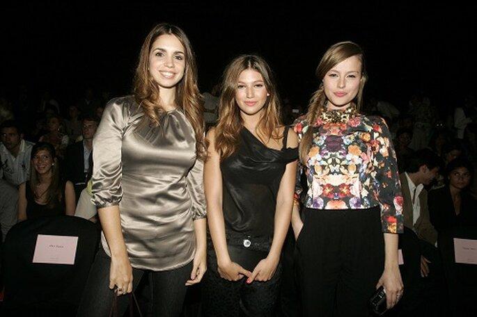 Las actrices Elena Furiase, Ursula Corberó y Esmeralda Moya. Foto: Barcelona Bridal Week.