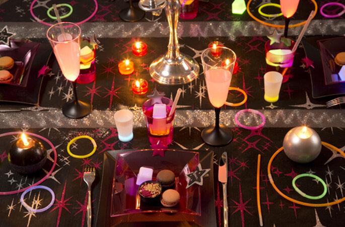 Le fluo fera sensation sur les tables de votre mariage - ©Zoé Confetti