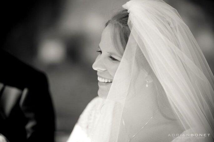Coiffure de mariée : on mise sur les accessoires ! - Photo : Adrian Bonet