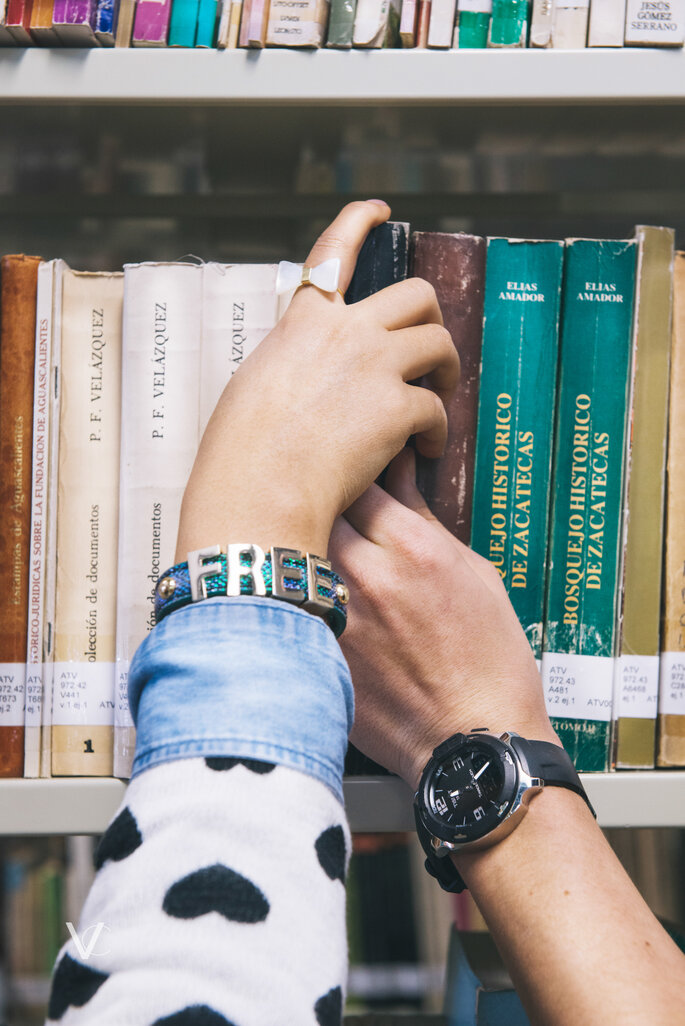 Once: una love session en la biblioteca - Viviana Cardona