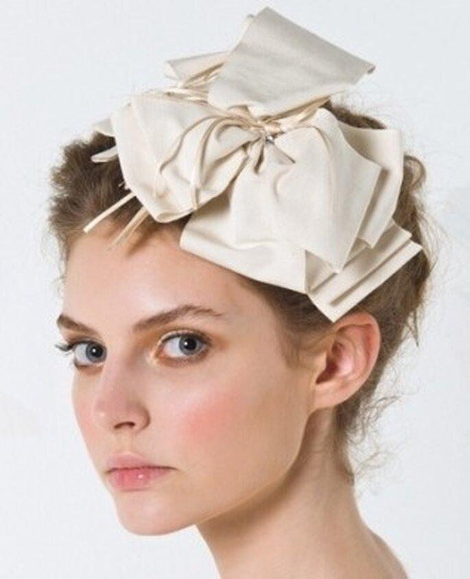 Un accessorio di Max Mara, perfetto per le spose più giovani. Foto via FB