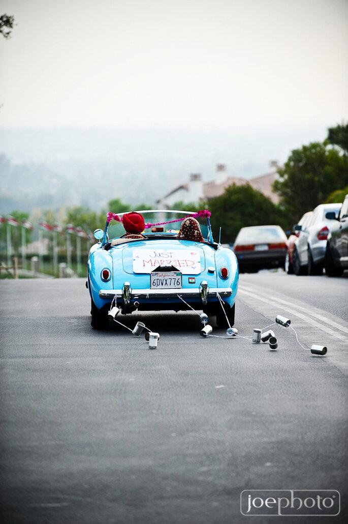 Decoraciones originales para el coche de los novios - Foto Joe Photo