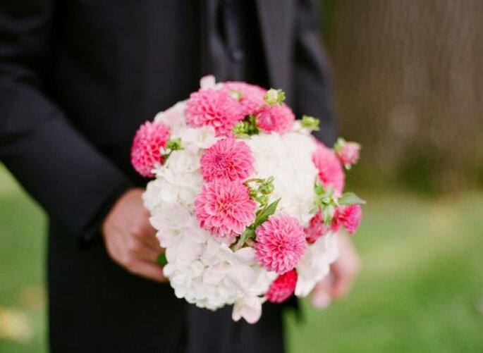 Ramo de novia en color rosa y blanco. Foto Jen Lynne
