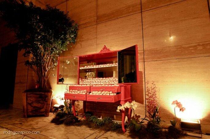 decoración en rojo para boda. FotografÍa Rodrigo Zapico