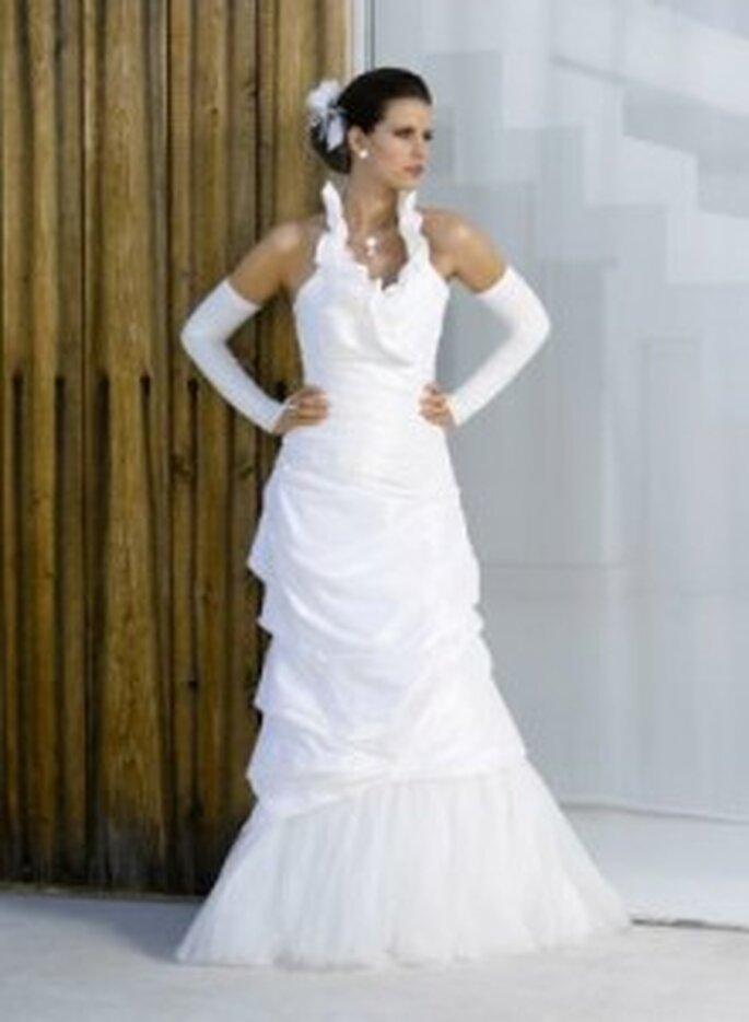 Weise 2010 Classic - Weißes Brautkleid aus Silktaft mit Handschuhen, Neckholder, drappierter Rock