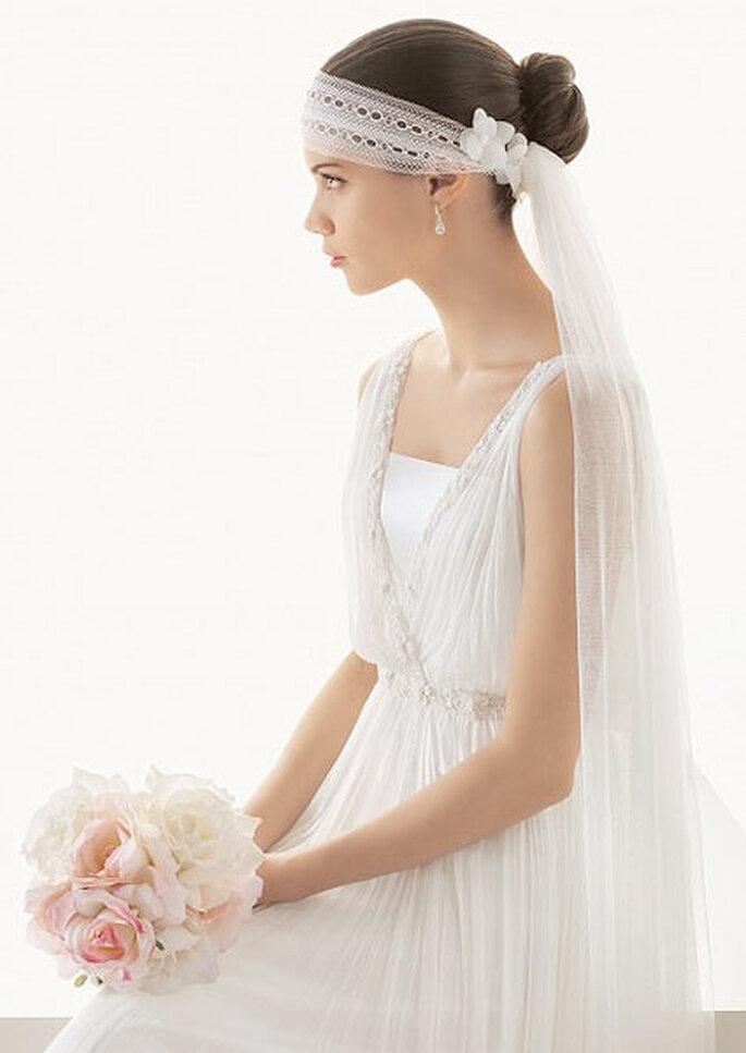 Le voile de mariée d'Anne Hathaway nous fait penser à ce modèle avec diadème de la collection Rosa Clará. Photo: Rosa Clará
