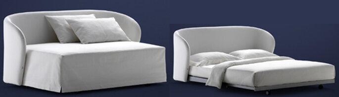 Celine: poltrona chaise longue? Non solo: aprendosi diventa un confortevolissimo letto. By Riccardo Giovannetti per Flou. Foto: Flou.it