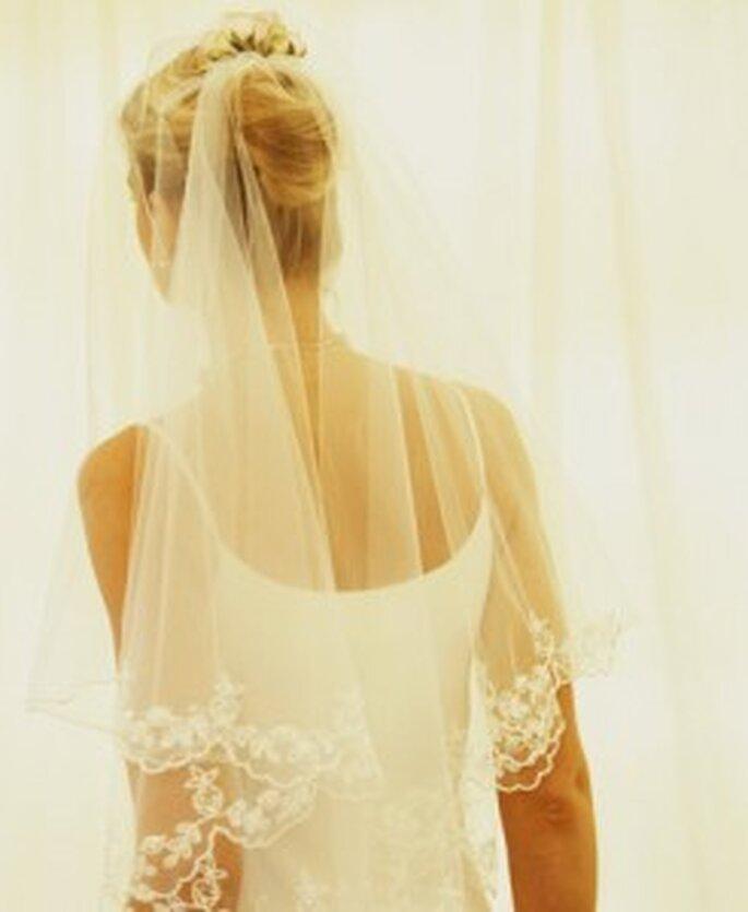 Velo de novia con encaje