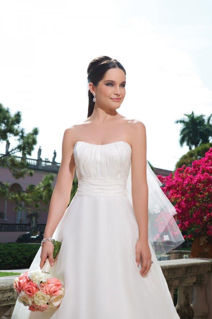 Atemberaubendes, schulterfreies Brautkleid in der Kollektion 2015 von Sweetheart