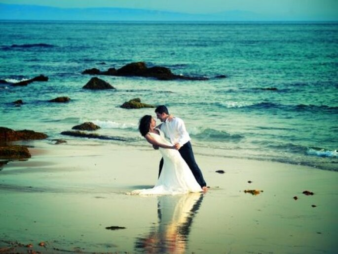 Foto session Trash The Dress by Roberto Pecino