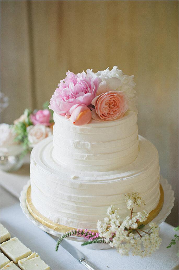 La tendencia de los mini cakes en el banquete de boda - Foto Delbarr Moradi