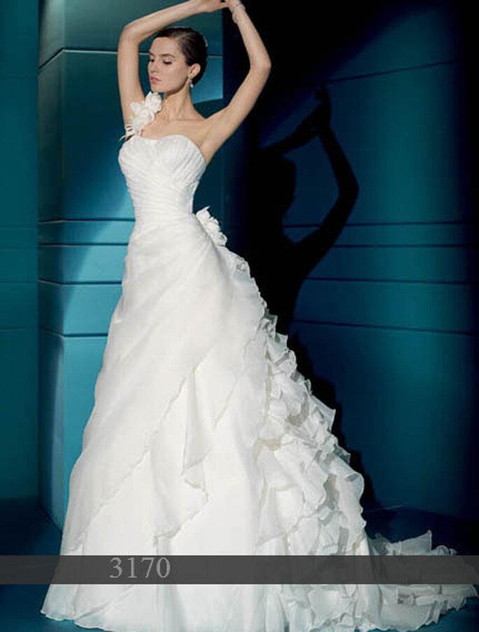 Brautkleider von Demetrios Kollektion 2011