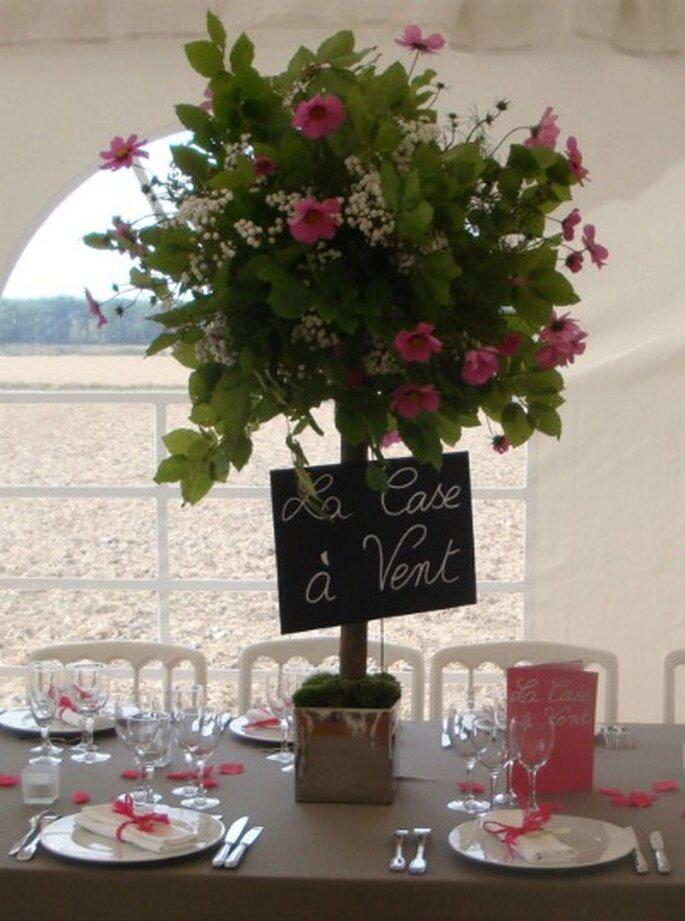 Centres de table hauts : impression d'abondance florale