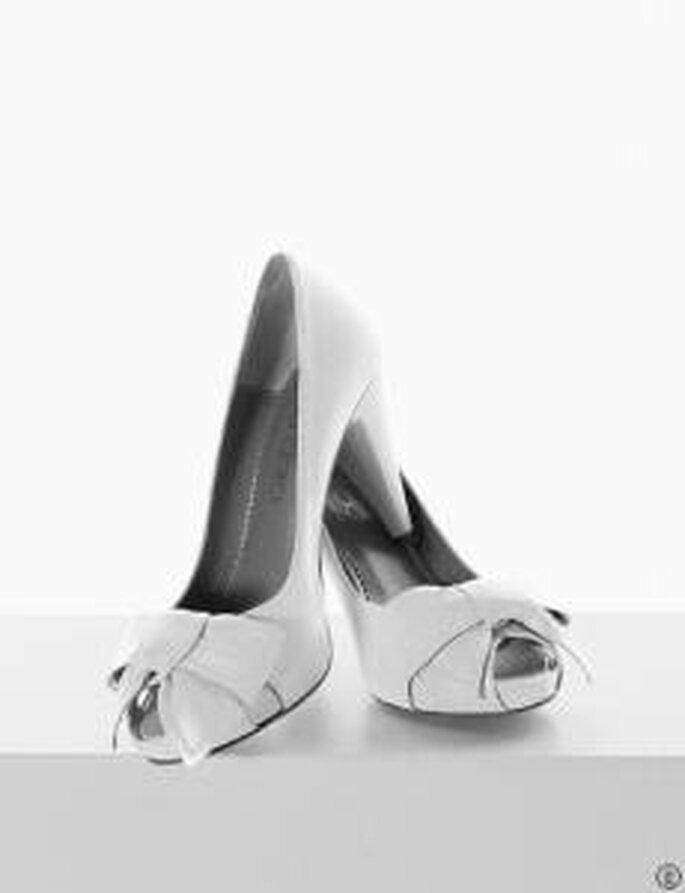 Rosa Clará 2010 - Zapato alto con dedo descubierto, moña decorativa