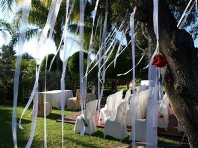 Cintas para decorar una boda al aire libre