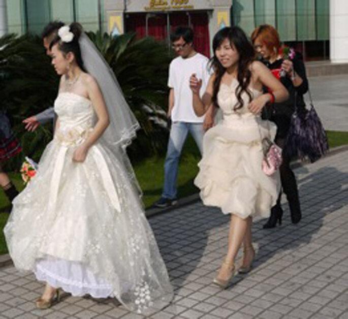 Sposa spostandosi per scatti fotografici a Shanghai, scatto di Idéias de Fada