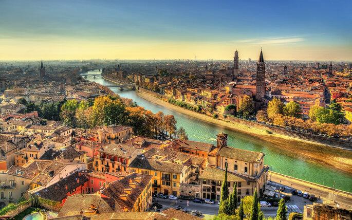 Foto via Shutterstock: Leonid Andronov