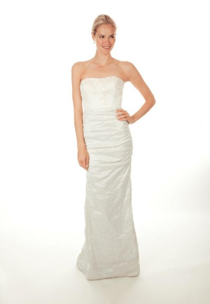Vestido de novia 2013 con escote strapless - Foto Nicole Miller