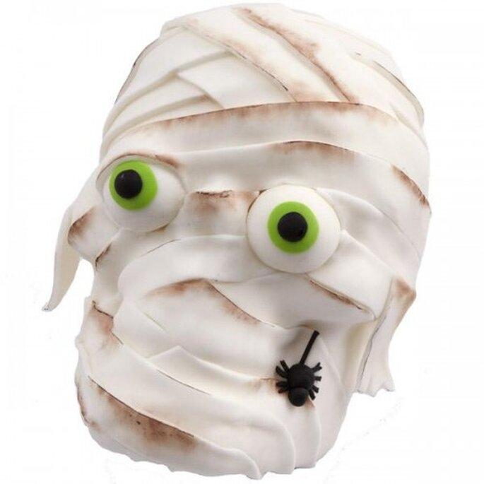 Pastel con forma de cabeza de momia. Foto de Wilton