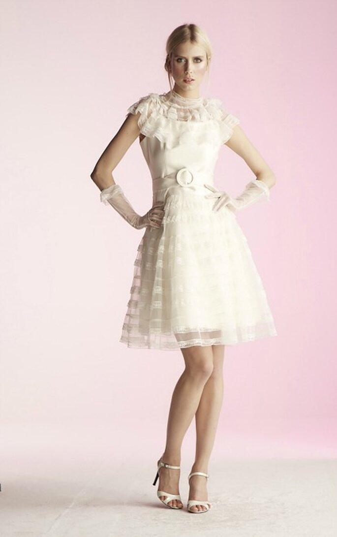 Robe de mariée courte Suzanne Ermann, modèle Ilda - Photo : Suzanne Ermann