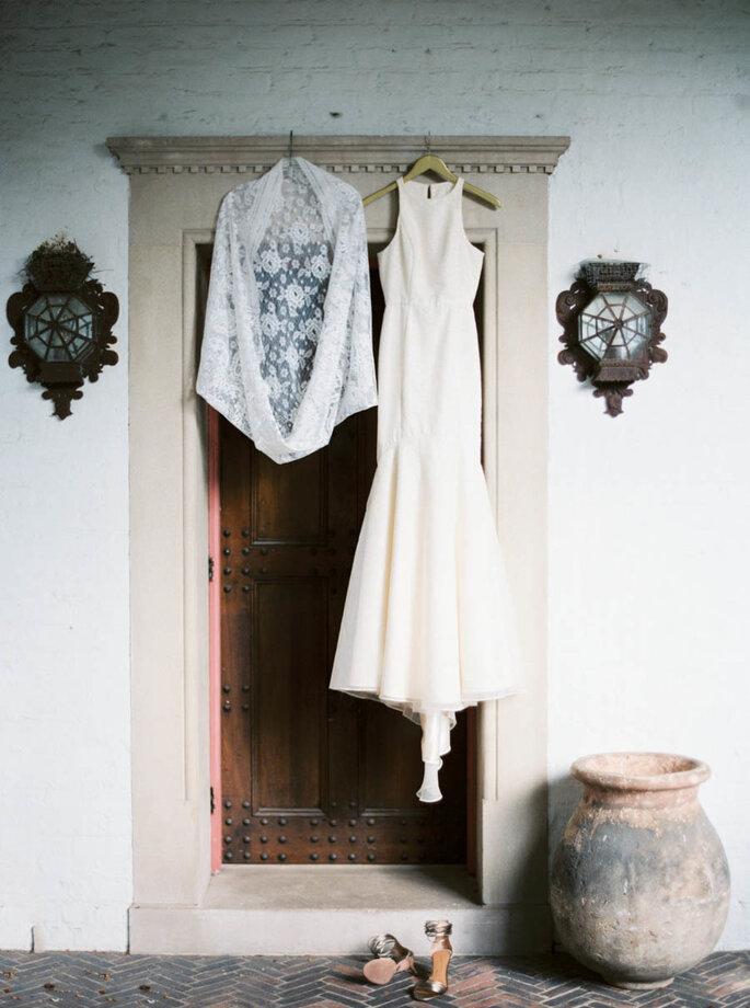 El vestido de novia- un protagonista indiscutible en las fotos de boda. Foto-Kate Weinstein Photo